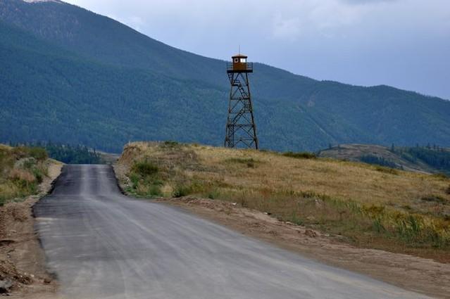 中哈边界与界碑图片