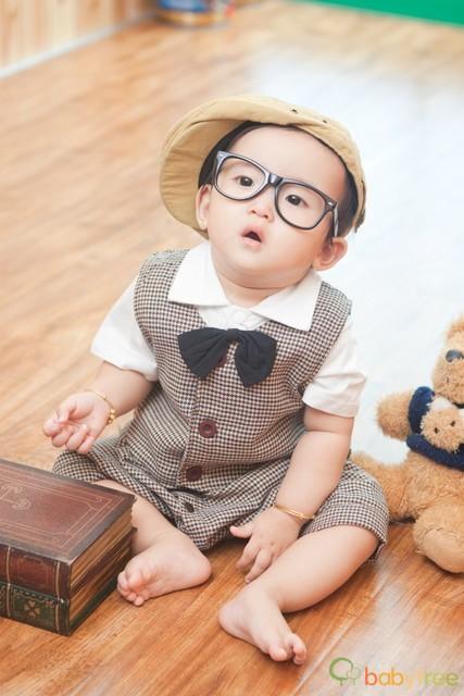 今天宝宝一周岁啦 晒晒周岁照 添加亲子照