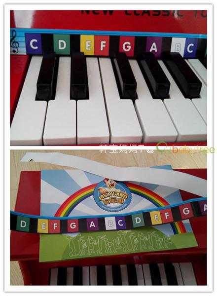 随琴送的儿童乐谱也很简单,特别合适宝宝-轩宝的小钢琴vs轩妈的钢琴