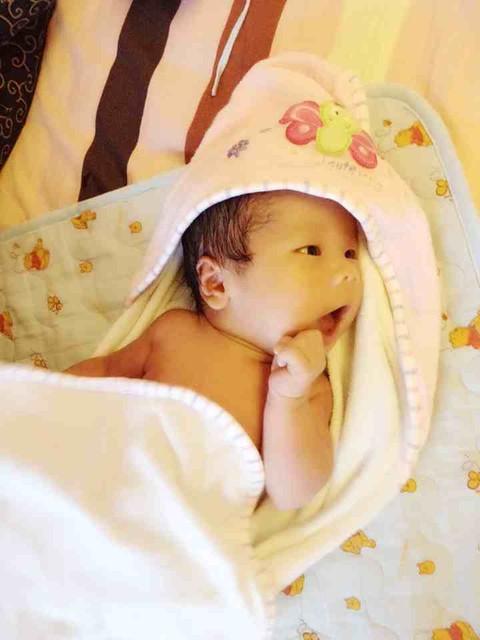 宝宝洗澡澡的时候是最可爱的图片