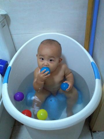 宝宝洗澡桶大家买了吗 求介绍一家店铺图片